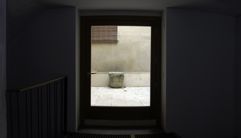 Capitel ubicado en la casa sita en la Plaza de Amador de los Ríos nº 3, en Toledo. Fotografía: Jose María Gutiérrez Arias. Sección Vivienda, Área de Gestión Patrimonial, Consorcio de Toledo. Año 2019