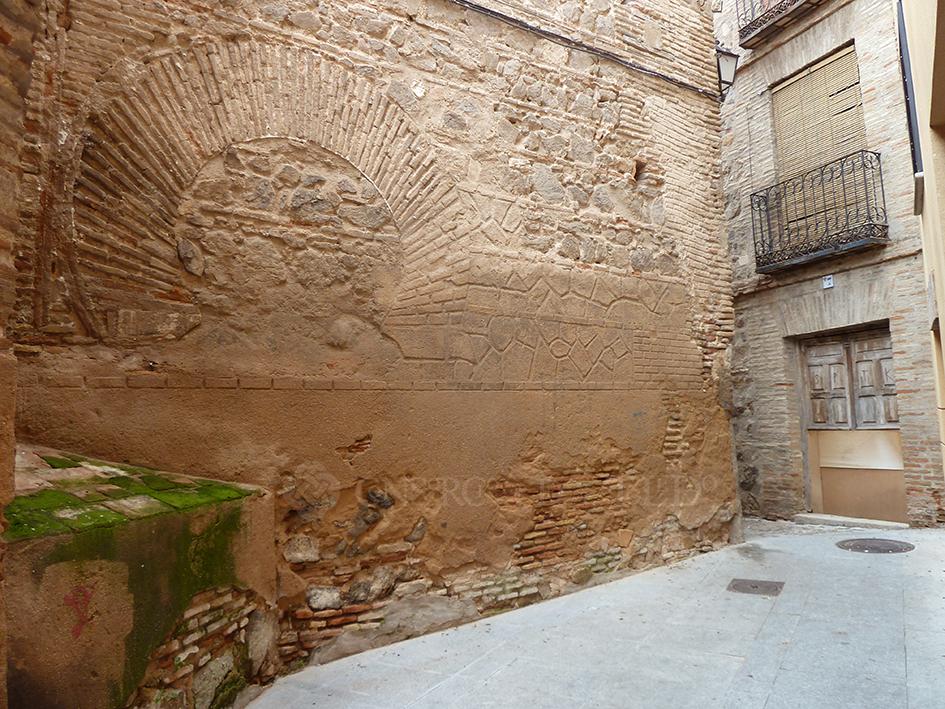 MIL PUERTAS TABICADAS. Iglesia de San Miguel, Toledo