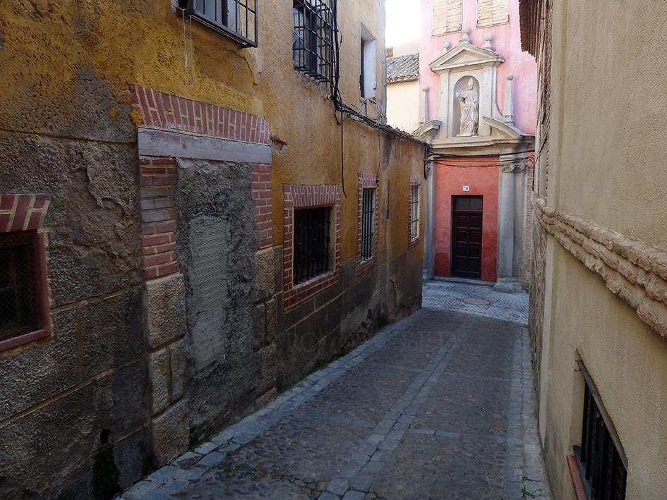 Mil puertas tabicadas (II). Travesía de San Torcuato, Toledo